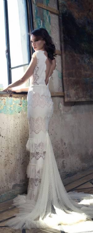 Großhandel Elegante Satin Brautkleider Kapelle Zug Weg Von Der Schulter Spitze Applique Afrikanische Hochzeitskleid Dubai Stil Lange Brautkleider Vestidos