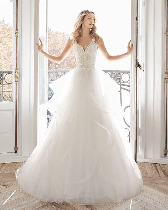 PRENSES Braut und Abendmode | Hochzeitskleid, Hochzeitskleid Zubehör
