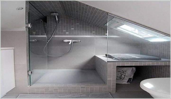 Bad mit Dachschräge Raumlösung O