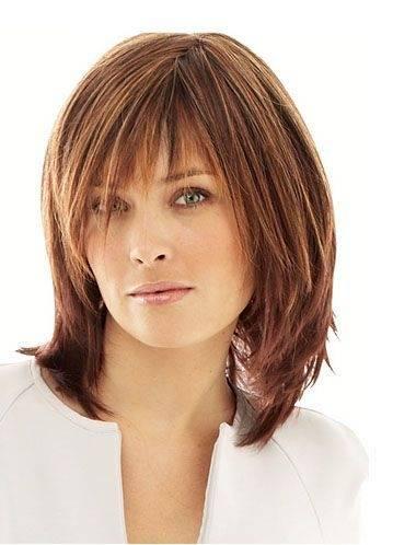 Mittellange Haare können auch ohne aufwendiges Styling toll aussehen, wie hier Schauspielerin Emma Stone beweist