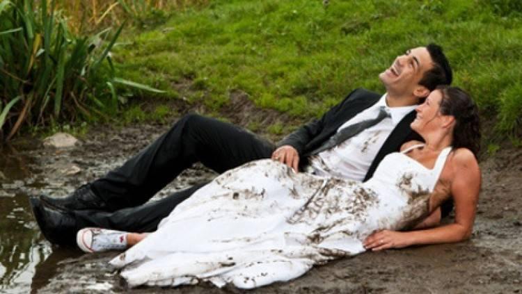Brautkleider im Schaufenster vom Hochzeitshaus Boos in Mannheim