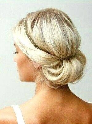 frisur hochzeit halboffen elegant lockig hochstecken DIY Haarfrisur für die Braut, die Brautjungfer oder den Gast