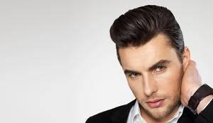 frisuren mit geheimratsecken für männer haarschnitt haaransatz verdecken  textuiert caesar Frisuren mit Geheimratsecken für Männer – Passende  Varianten für