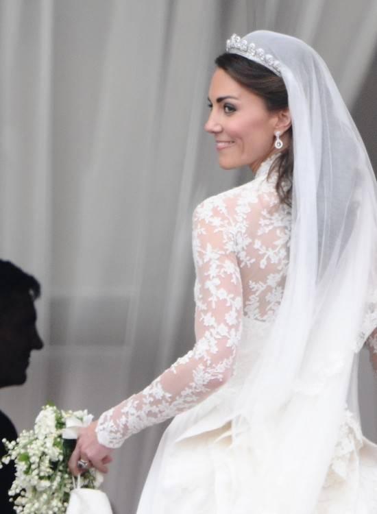 Weißes Hochzeitskleid von Monique Lhuillier