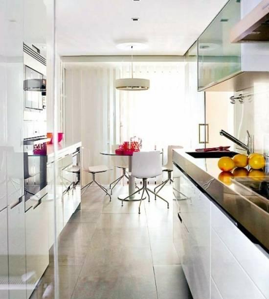 Kleine Küchen wirken gemütlich und einladend, wenn dann noch der Duft von köstlichem Essen den Raum erfüllt, ist man fast schon im siebten Himmel