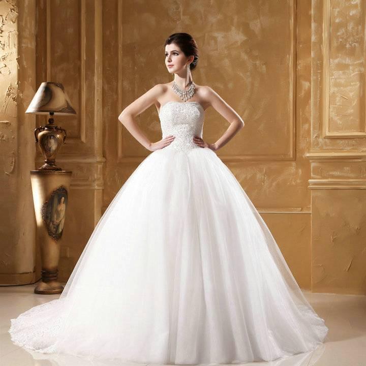 Brautkleid Hochzeitskleid Lohrengel mit langer Schleppe