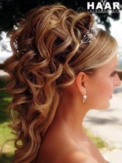 Nächste Seite: Haare für Hochzeit stylen middot; Frisur für die  Hochzeit