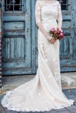 Edles Champagner Durchsichtige Brautkleider / Hochzeitskleider 2019 A Linie  Rundhalsausschnitt Geschwollenes Kurze Ärmel Rückenfreies Applikationen  Spitze
