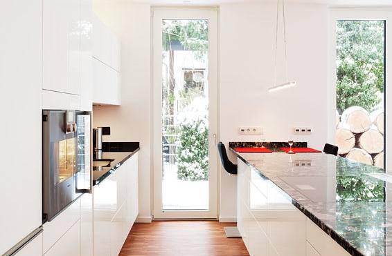 Neue Küchenideen Aus Pinterest Und 8 Sich Daraus Entwickelnde Trends Avec  Pinterest Küchen Ideen Et Ku CC 88chenideen Wei C3 9F Dunkler Holzboden 3