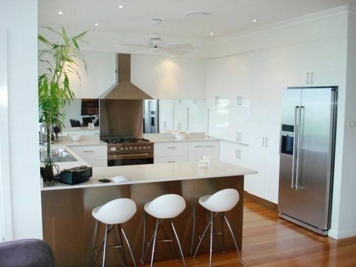 Wenn in eurer Küche Platz auch Mangelware ist, findet ihr 7 weitere Ideen für Küchentheken im