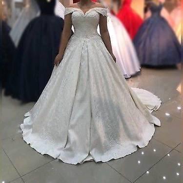 Brautkleid Hochzeitskleid Cinderella Krone