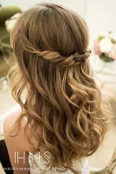 Inspirierende Hochzeitsfrisuren für Gäste: Welcher Haarstyle passt zu Ihnen? | Frisuren