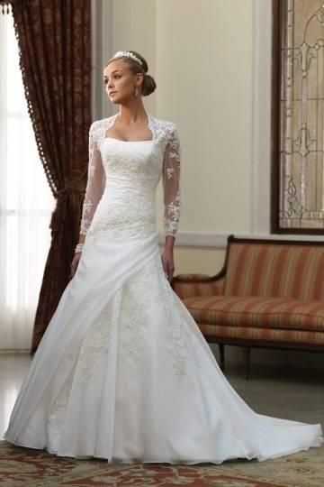 bescheidenen Brautkleid mit Ärmeln bescheidenen Brautkleid mit Ärmeln