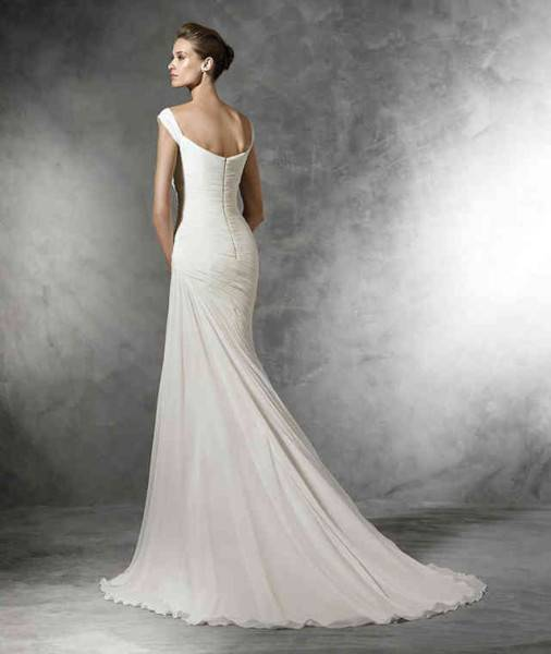 Ein Hochzeitskleid mit Perlenstickerei für den großen Tag