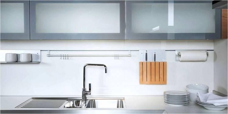 DIe Küchenzeile ohne Hängeschränke finden Sie auch in jedem Küchenstudio