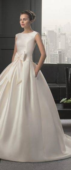 Brautkleid Hochzeitskleid edel stickerei