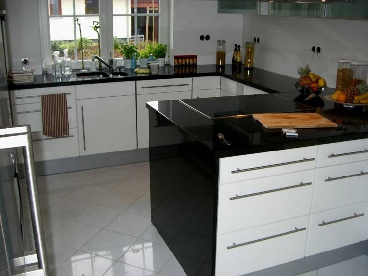 Küchenrückwände von HORNBACH; Küchenrückwände von HORNBACH; Küchenrückwände von HORNBACH