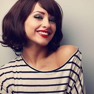 Frisuren Mittellang Ältere Damen Bild – Haare Frisuren : Frisuren  Mittellang Ältere Damen Kurzharfriesuren 2018 Langes Gesicht Ohne Mädchen  Zopf Frisuren