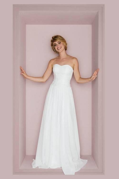 Großhandel Vestidos De Novia Custom Made Champagne Vintage Hochzeitskleid  Weiß / Elfenbein Applique Sicke Spitze Brautkleid Brautkleid Von