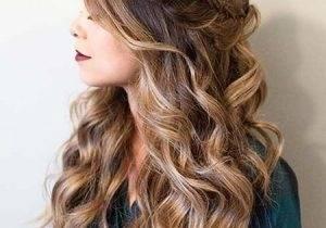 Haare hochstecken: Frisuren zum Nachstylen