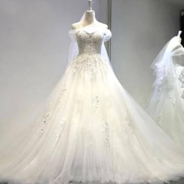 Hochzeitskleid Schleppe Satin Applikation kaufen