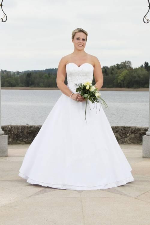 Traumhaftes Brautkleid Hochzeitskleid Corsage Schleppe Gr