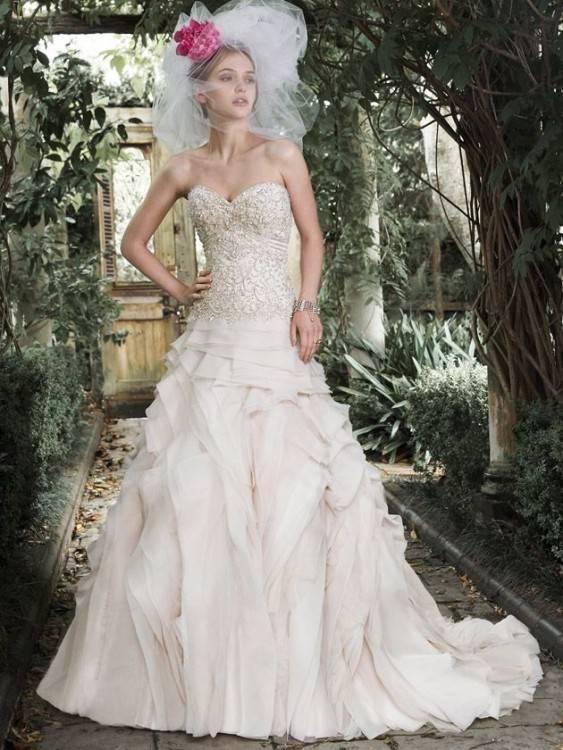 Brautkleid/Hochzeitskleid der Marke Demetrios · Brautkleid/Hochzeitskleid der Marke Demetrios 2