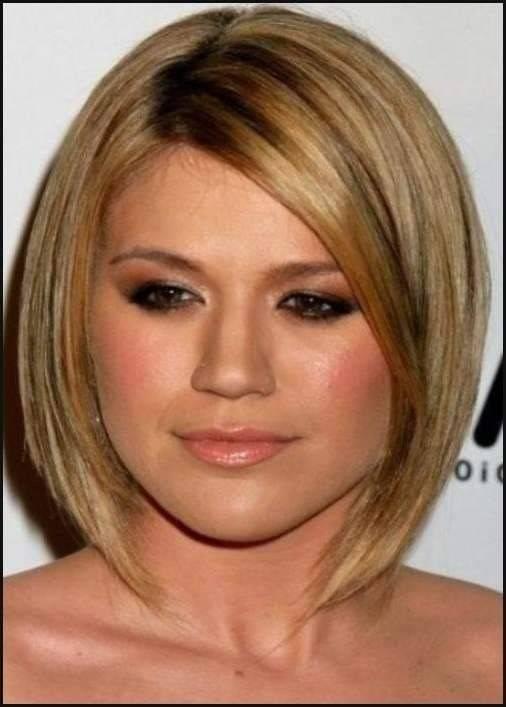 Schmeichelhafte Frisur Haarschnitte für rundes Gesicht