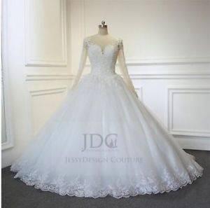 Traumkleid Brautkleid Corsage und Schleppe viel Tüll und Glitzer  Steinchen Herzausschnitt Gr 36 3