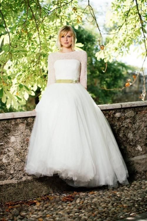 Großhandel Ls00376 1 Damen Hochzeitskleid Blumen Spitze Verziert Weißen Rundhals Illusion Zurück Hochzeit Kleid Einkaufen Online China Von Lsweddingdress,