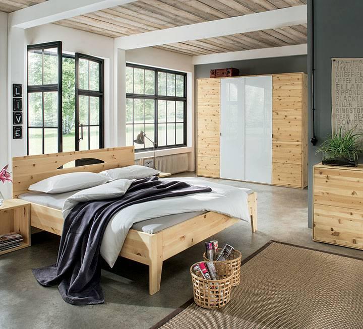 Zirbenholz Kommode und Zirbenholzbett von Anrei