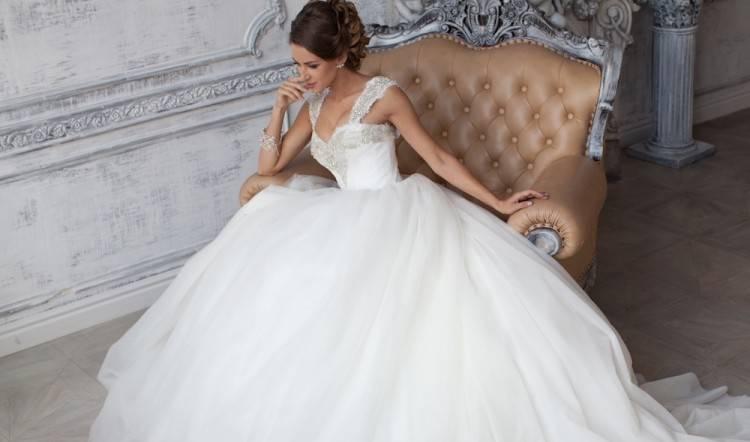 Auf das Hochzeitskleid von Herzogin Catherine blicken in 2011 etwa zwei  Milliarden Menschen