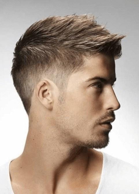 Ausserdem solltest du für diesen Look volles Haar besitzen