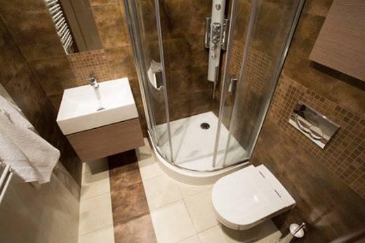 Gerade in einem kleinen Bad sollte jede mögliche Fläche genutzt werden