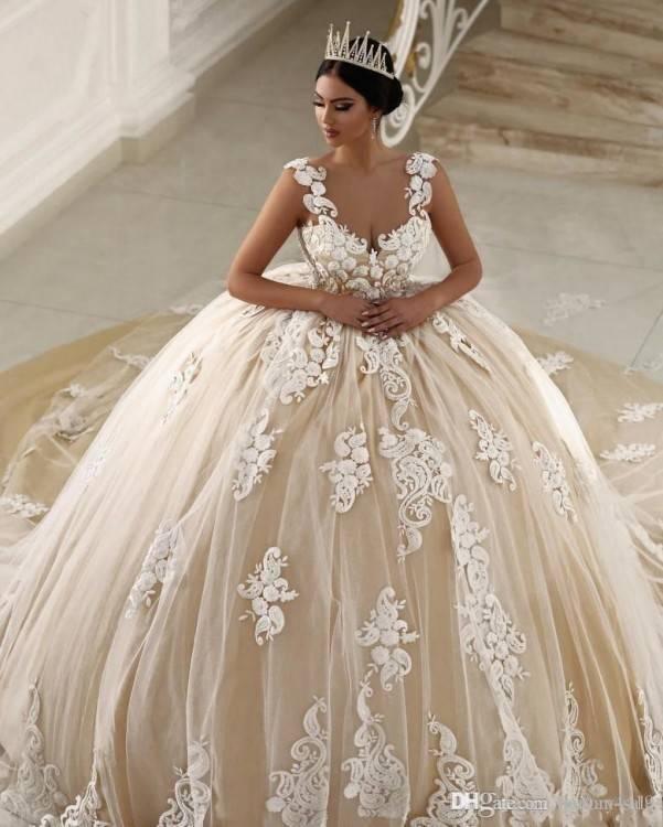 Großhandel 2019 Prinzessin Ballkleid Brautkleider Vintage Long Sleeves Arabisch Hochzeitskleid Spitze Applizierte Perlen Lange Vestido De Noivas Von