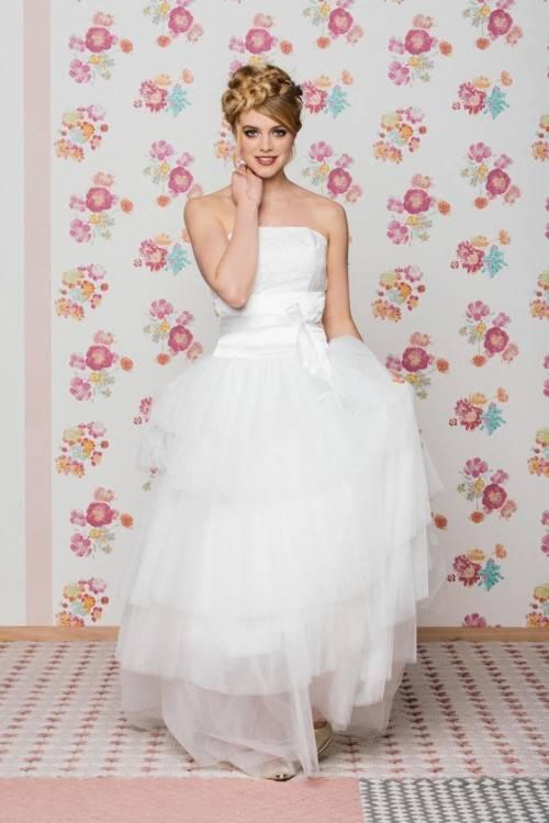 Brautkleid Hochzeitskleid Prinzessinkleid Tüll Weiße Rosen Swarovski Corsage Schleppe Gr 38 40