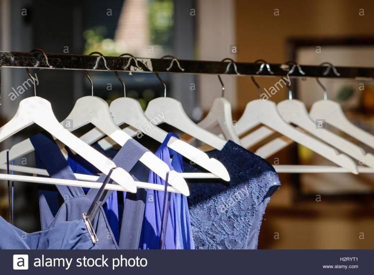 festliche brautkleid mit trägern, silberhochzeitssprüche, welches brautkleid für welche figur, brautkleid länge,