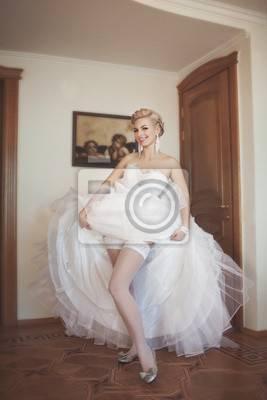 JIALINZEYI Echt Bild spaghettibügel Nude Inneren spitze Blumen Organza Brautkleider lange zug arabische hochzeitskleid 2017 in JIALINZEYI Echt Bild