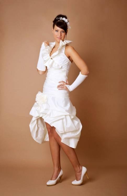 Waulizane Elegante Tüll Ballkleid Brautkleider Appliques Hohe Kragen Halbarm Bodenlangen Vintage Prinzessin Brautkleider in Waulizane Elegante Tüll