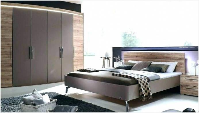 Die Möbel der Marke Thielemeyer gelten als Liebeserklärung an den Rohstoff Holz, denn die Verarbeitung geschieht unter akribischen Kontrollen und führt