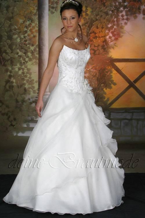 Hochzeitskleid, Weiß, Spitze, Prinzessin, lange Schleppe, Pailetten, inklusive Schleier