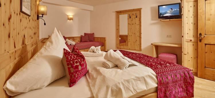Bilder  Vom Luxus Chalet Hotel Chalets Grosslehen · Schlafzimmer Einrichten Stil