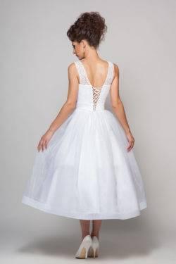 Mit diesem herausragenden, cremefarbenen Spitzenkleid möchte ich meine Low  Budget Brautkleider Sammlung abschließen