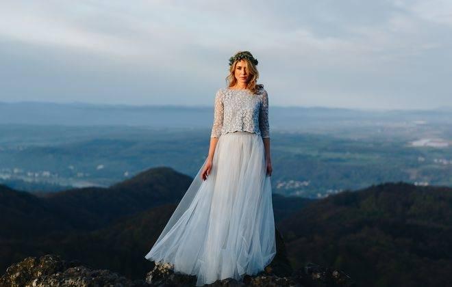 Großhandel Hochzeitskleider 2018 Neue Ankunftsspitze V Ausschnitt, Der Brautkleider Meerjungfrau Langhülse Hochzeits Kleider Bördelt Von Missudress,