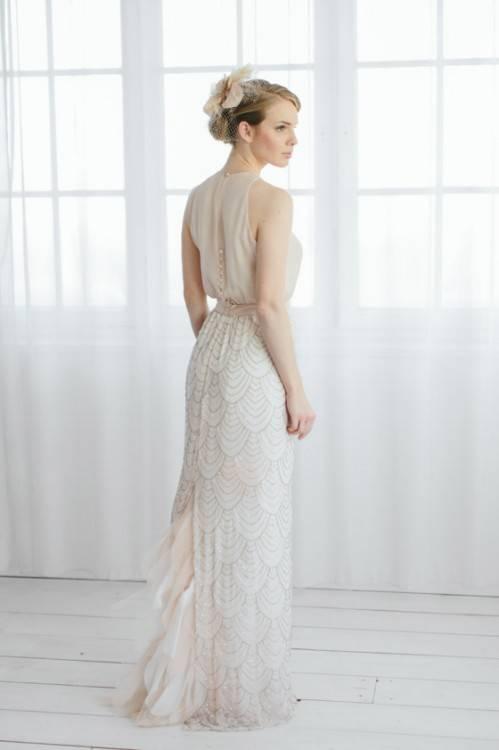 Jedes Kleid hat eine zarte Eleganz und läßt seine Trägerin in