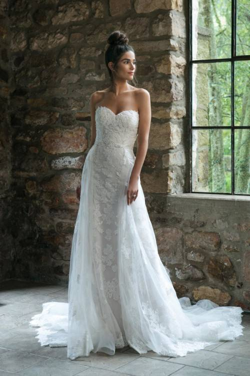 2019 Brautkleider Weiß Spitze A Linie Hochzeitskleider Mit Schleppe