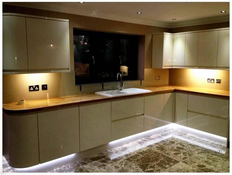 Alternative Fliesenspiegel Küche Küchenfront Hochglanz Oder Matt Genial top Ergebnis 50 Luxus Küchen