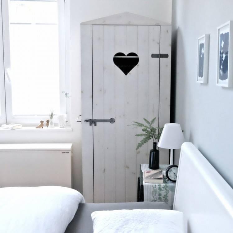 #Schlafzimmer #Einrichtung  #Einrichtungsidee #Bett #Lichterkette #bedroom #interior #homeinterior  #homedecor