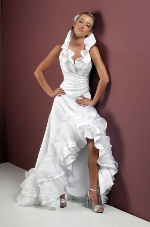 Tianshikeer Brautkleider Prinzessin SpitzeApplique Damen Langarm Hoher Kragen Hochzeitskleider Lang: Amazon