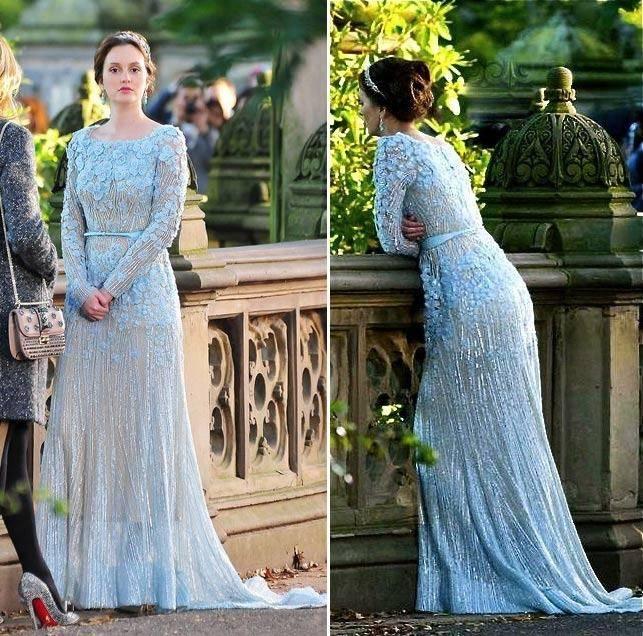 Deluxe Cinderella Hochzeitskleid Blau Brautkleid Weg Von Der Schulter Ärmel robe de Heiraten Halloween Kostüm mit Girlande 2017 in Deluxe Cinderella